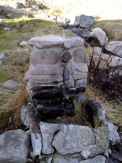 La fontaine du refuge aux sources de la Bléone